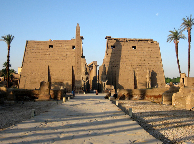 ... Early morning at Luxor Temple ... & Photographers Egypt Tour
